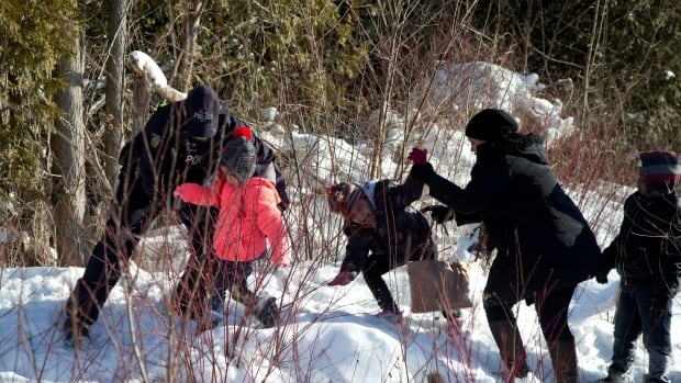 Refugee Influx Things To Know About Illegal Border Crossings - Us canada border crossings map