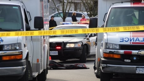 1 dead, 3 in custody in Abbotsford, B.C., shooting
