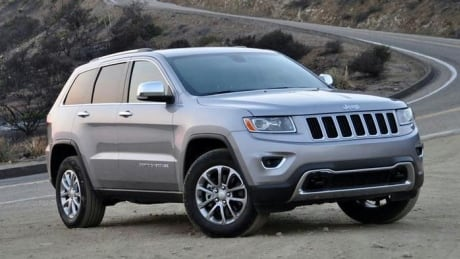 Jeep sought by police after cyclist injured in hit-and-run on bridge