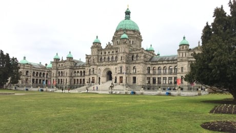 UBC medical students head to Victoria to lobby MLAs on opioid crisis