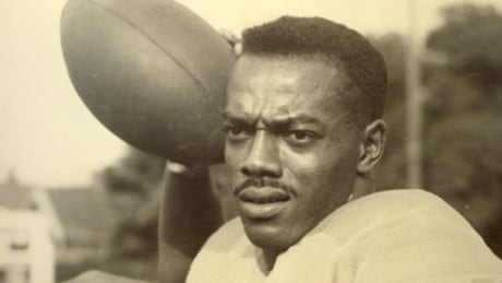 Hamilton school to be named after Bernie Custis, pro football's 1st black starting QB