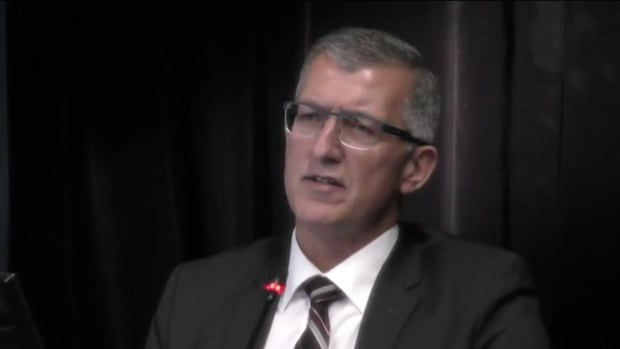 Former premier Paul Davis testifying at the Dunphy inquiry on Feb. 24, 2017.