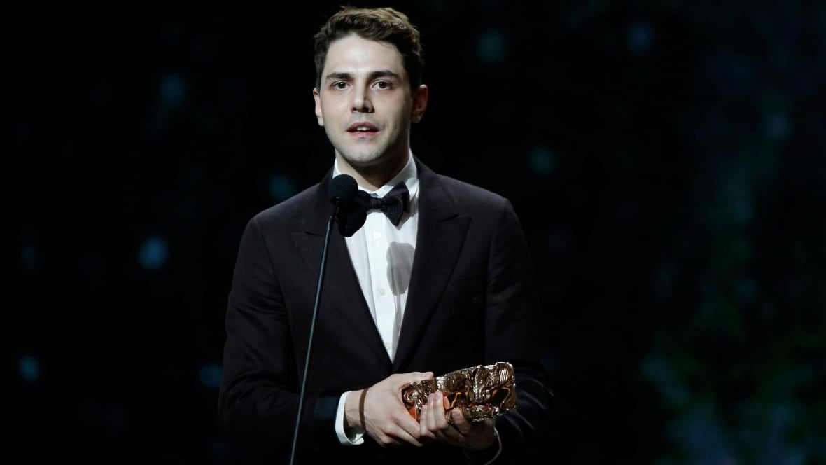 Xavier dolan wins best director at c sar awards for Dujardin xavier