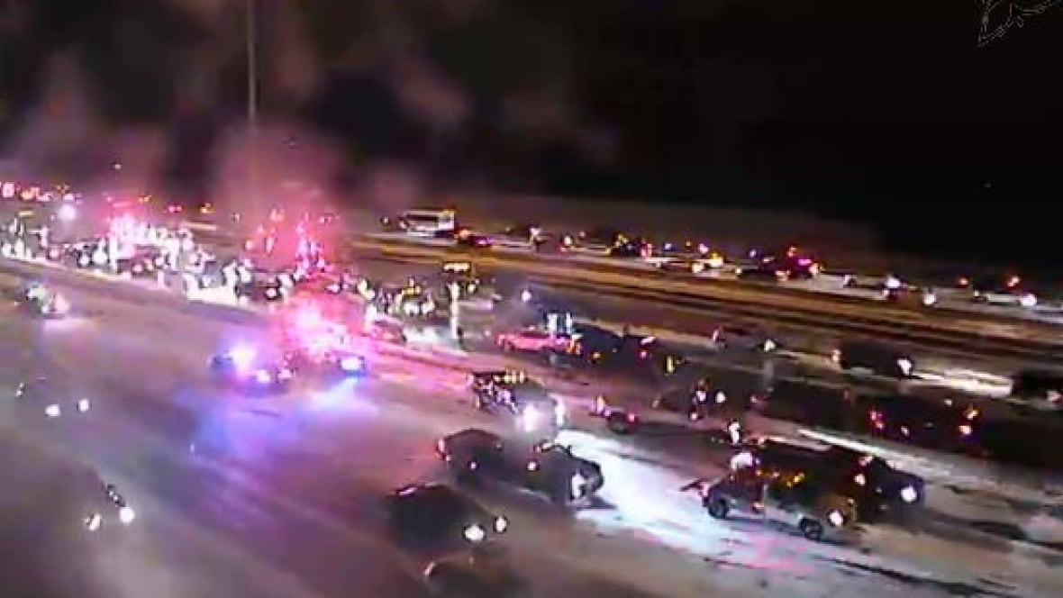 Multi-vehicle crash on Highway 401 sends 7 to hospital with minor injuries
