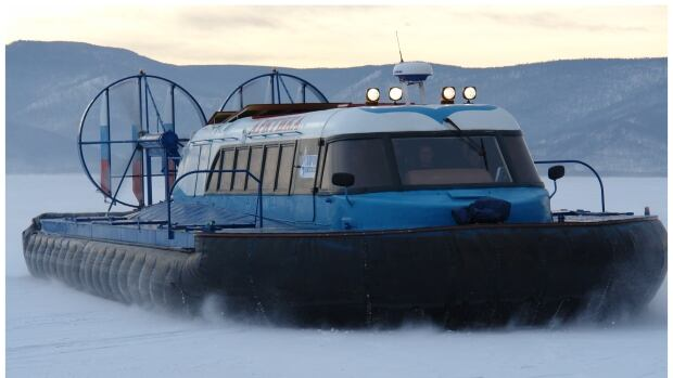Agnico Eagle proposed to bring two hovercrafts, similar to the one picture here, to explore for gold year-round in Nunavut.