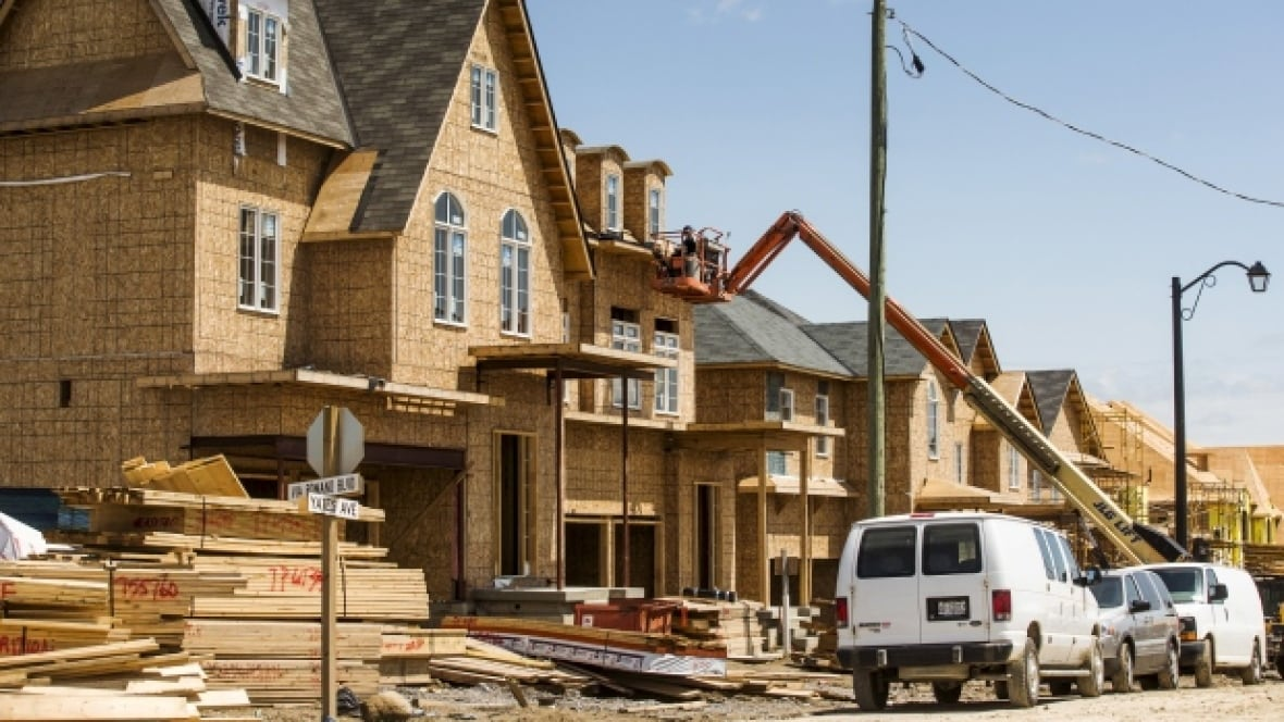 Alberta government working on licensing for home builders