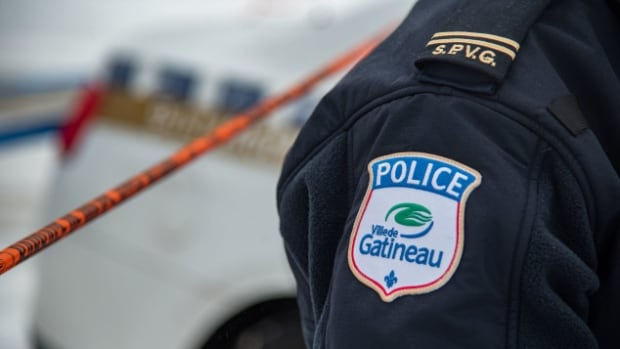 A Gatineau police officer is facing breach of trust charges after he allegedly accessed police computers for personal reasons.