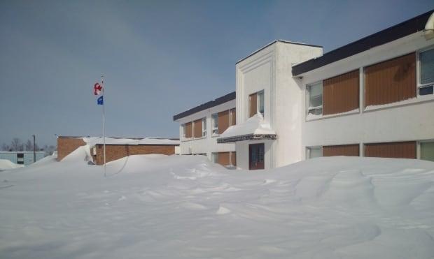 Lynn Lake school snowdrifts