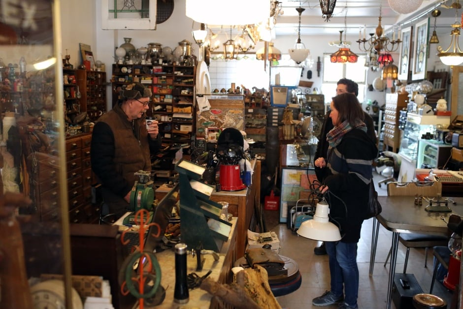 Toronto Roy Clifford Salvage Shop Wide With Customers