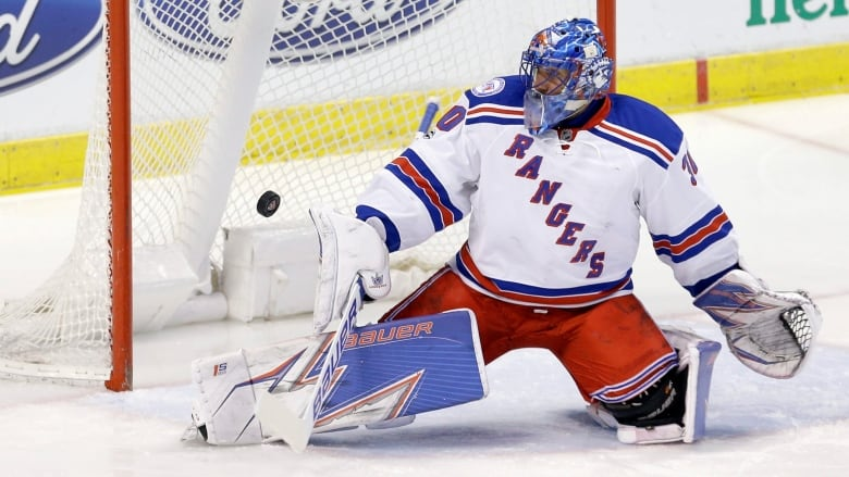 Rangers Henrik Lundqvist Out 2 3 Weeks With Lower Body Injury Cbc