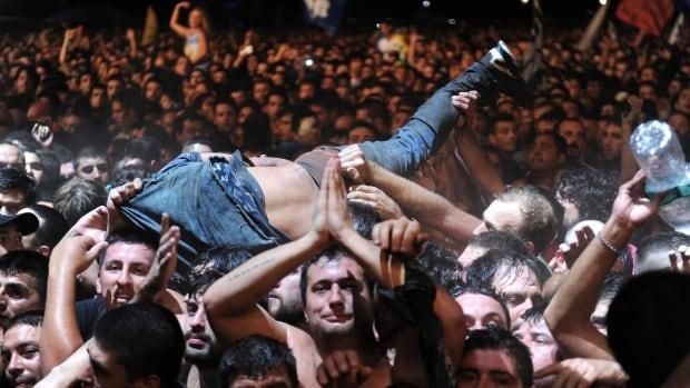 Two Argentine concert fans killed in spectators' stampede