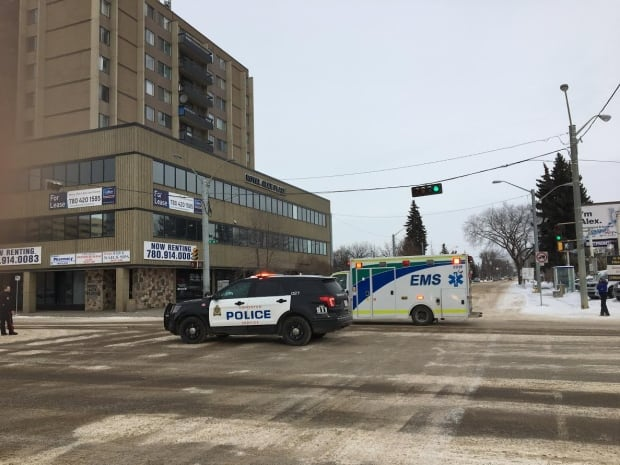Man hospitalized after early morning shooting in downtown Edmonton