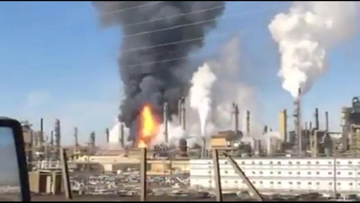 Workers called back as explosion at Syncrude's Fort McMurray plant remains under investigation