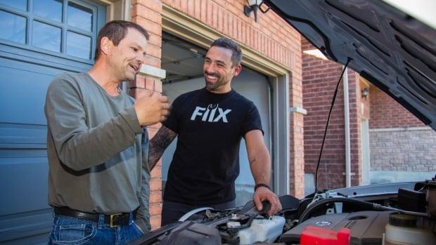 No need for a garage: Fiix's mechanics make repairs on a customer's driveway.