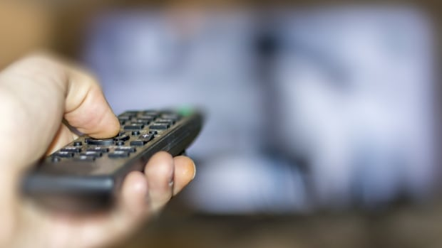 Canada's publicly-traded TV providers lost 202,000 subscribers to their TV services in 2016, new research shows.