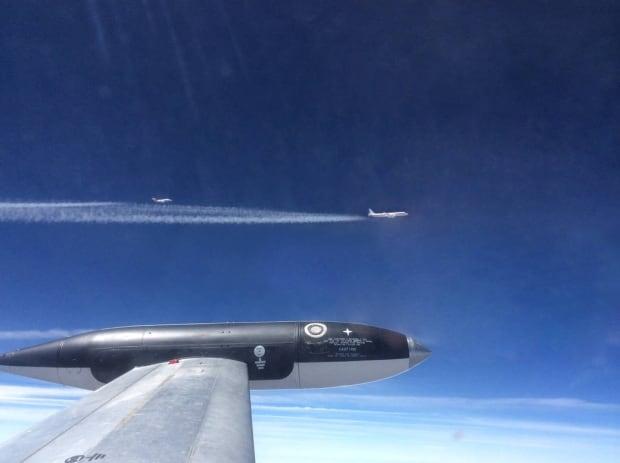 Airplane jet test biofuel