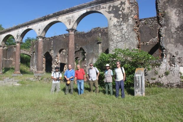 Archaelogists at former Cuban slave plantation