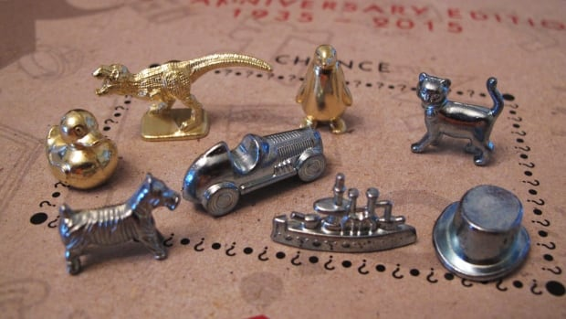 These game tokens, including three newcomers, will be included in upcoming versions of the Monopoly board game. Hasbro Inc. has revealed the results of fan voting, with the boot, wheelbarrow and thimble tokens leaving the game, replaced by a ducky, T-Rex dinosaur and a penguin.