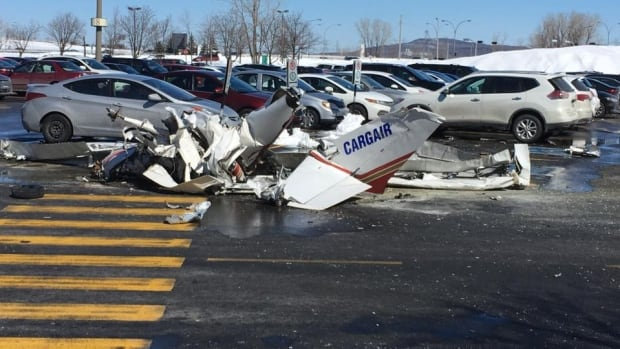 Planes collide over Canada shopping mall, killing one