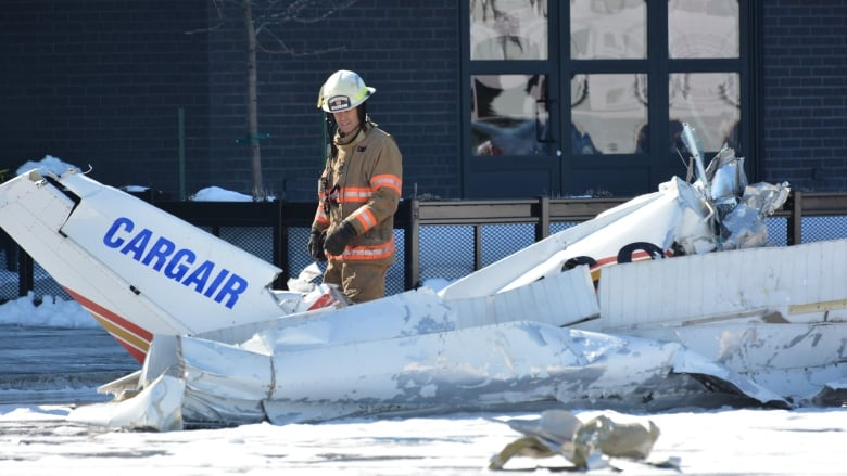 dead after planes collide above shopping centre on Montreal's South ...