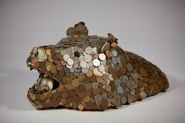 money taxidermy bear