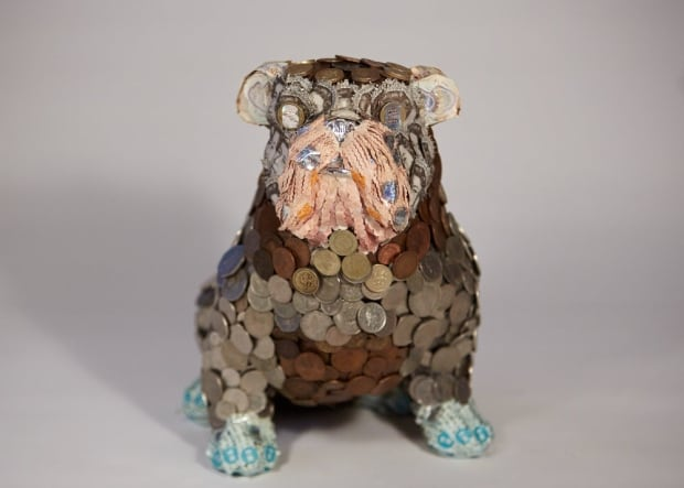 money taxidermy bulldog