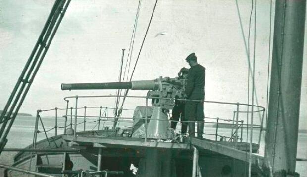 12-Pounder Cannon, HMCS Thiepval