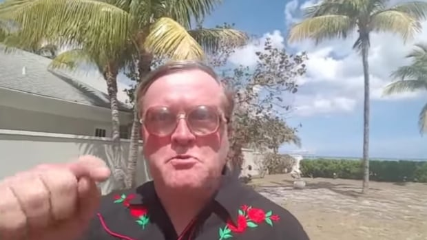 Actor Mike Smith, who plays Bubbles in Trailer Park Boys, made a YouTube video encouraging people to vote for O'Leary, P.E.I. in the Hockeyville contest.