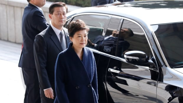 Impeached S'Korean president apologises for corruption scandal