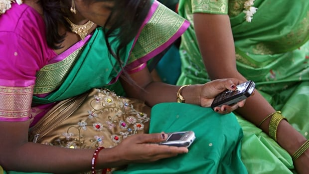 350 cell phones India 2