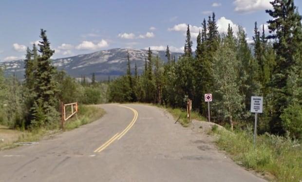 Miles Canyon Road
