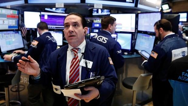 TSX slips as oil prices drag energy-sector stocks