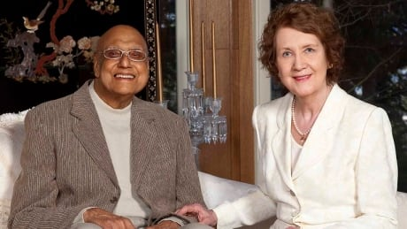 'He took his last breath in my arms': Retired B.C. doctor died in hospital waiting room, wife says