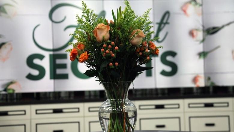 The Secret To The Perfect Diy Floral Centerpieces Cbc Life