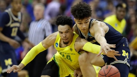 March Madness: Pair of Canadians lead Oregon to Elite 8