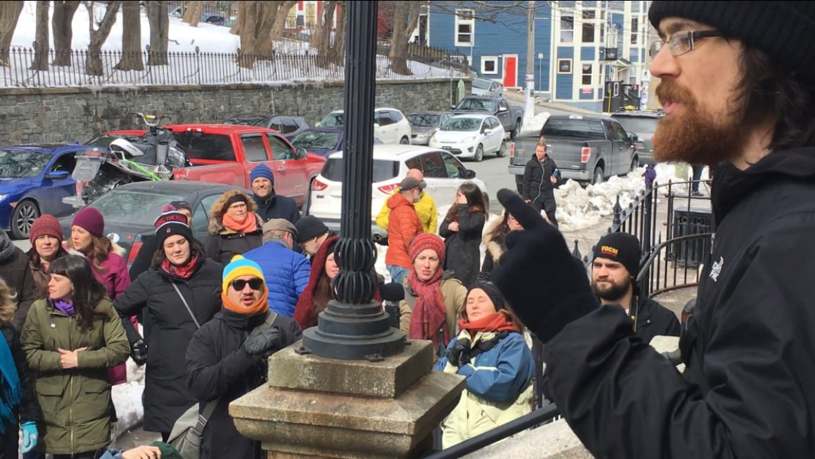Rally calls for charges against Independent editor Justin Brake to be dropped