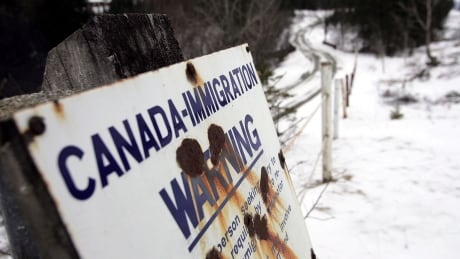 Fewer Canadians being refused entry at U.S. land border