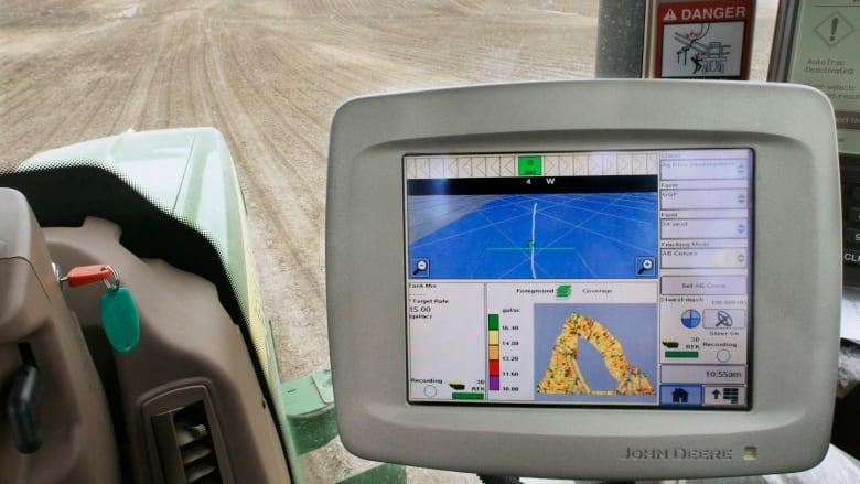 Saskatchewan farmer hacks his 'smart' tractor to avoid