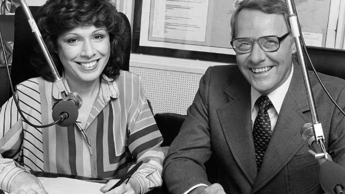Remembering the time Barbara Frum called up a gunman holding hostages at a Toronto bank