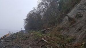 Landslide halts Amtrak train service between Seattle and Vancouver
