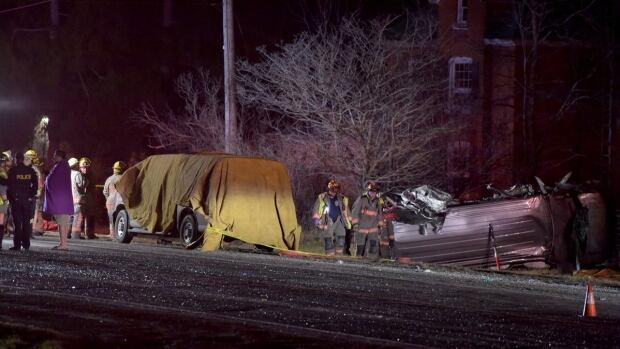 Van-car crash in southwestern Ontario leaves 3 dead, 5 hurt