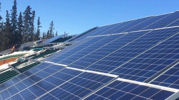 The First Nation is installing 88 solar panels on the roof of its administration building.