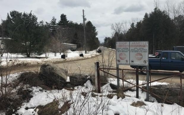 NY-Quebec border