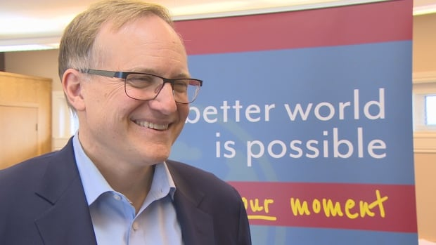 Peter Julian joined Erin Weir to endorse the Regina MP's proposal on applying a carbon border levy on goods being imported from counties that don't put a price on carbon.