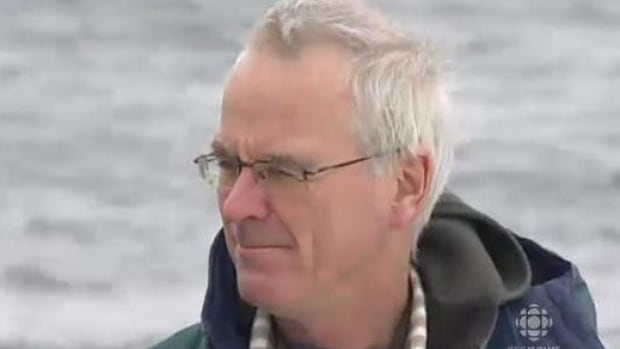 Wayne Ledwell is the head of rescue group Whale Release and Strandings.