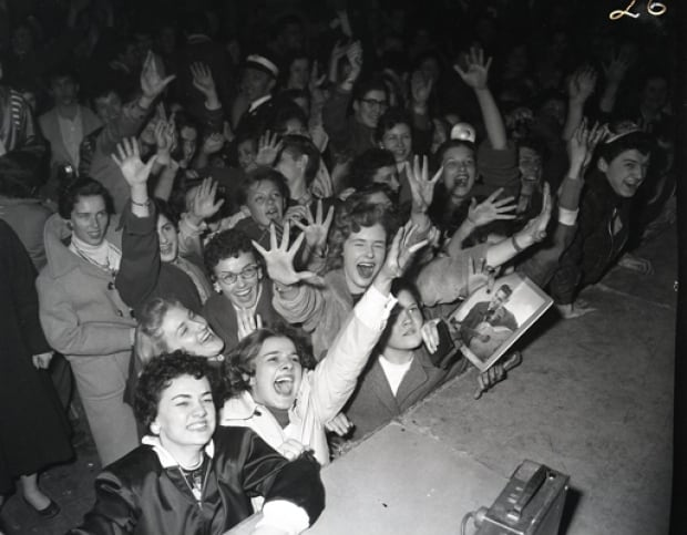 Elvis Ottawa fans