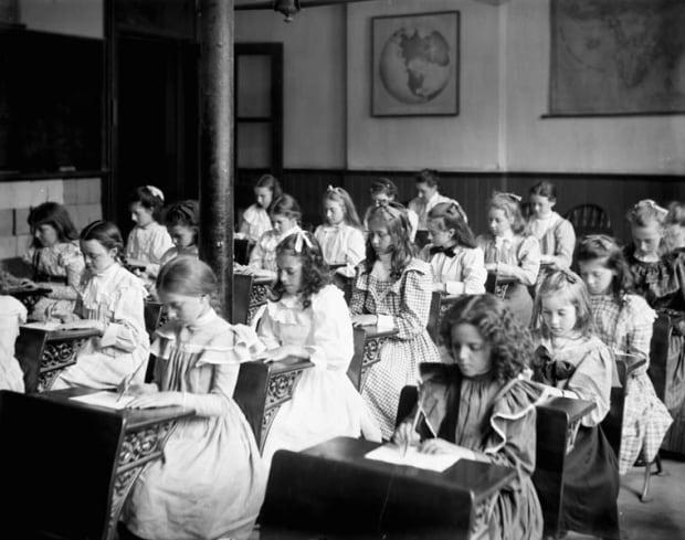 Ottawa school class room 1899