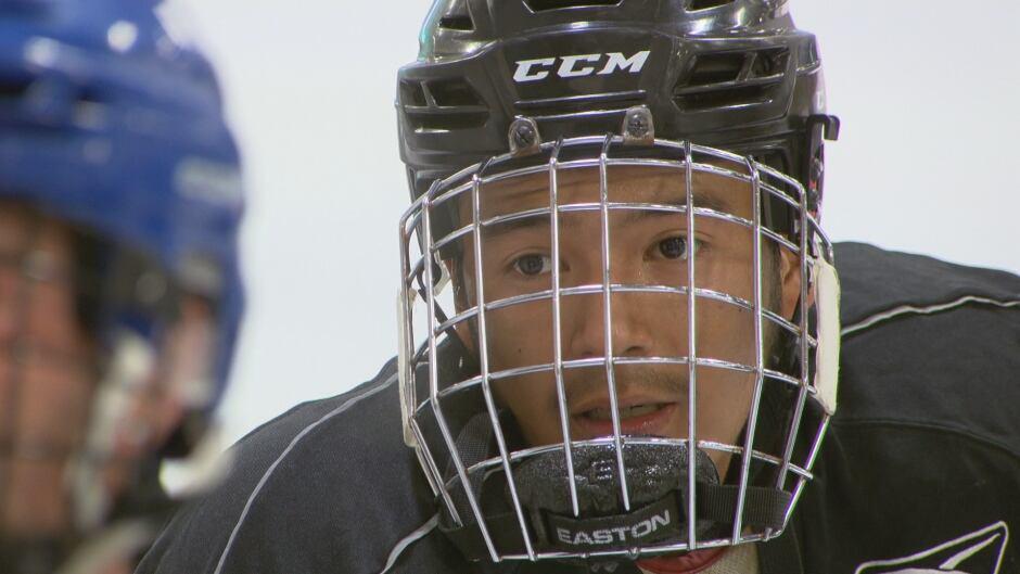 Vince Gill hockey