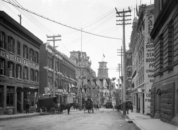 Elgin street looking south towards Ottawa City Hall circa 1903