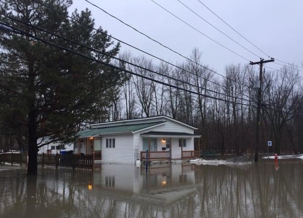 Flooding Blainville